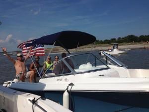 Boat rental in Charleston, SC with happy boaters
